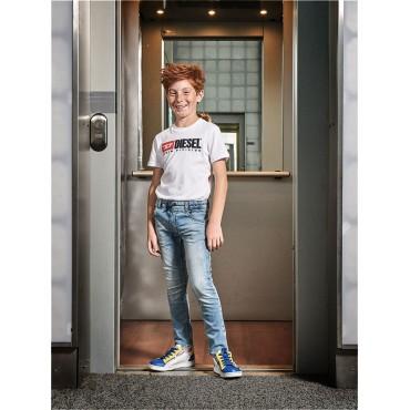 Odzież dla dzieci. Spodnie chłopięce DIESEL, shop online 002451 A